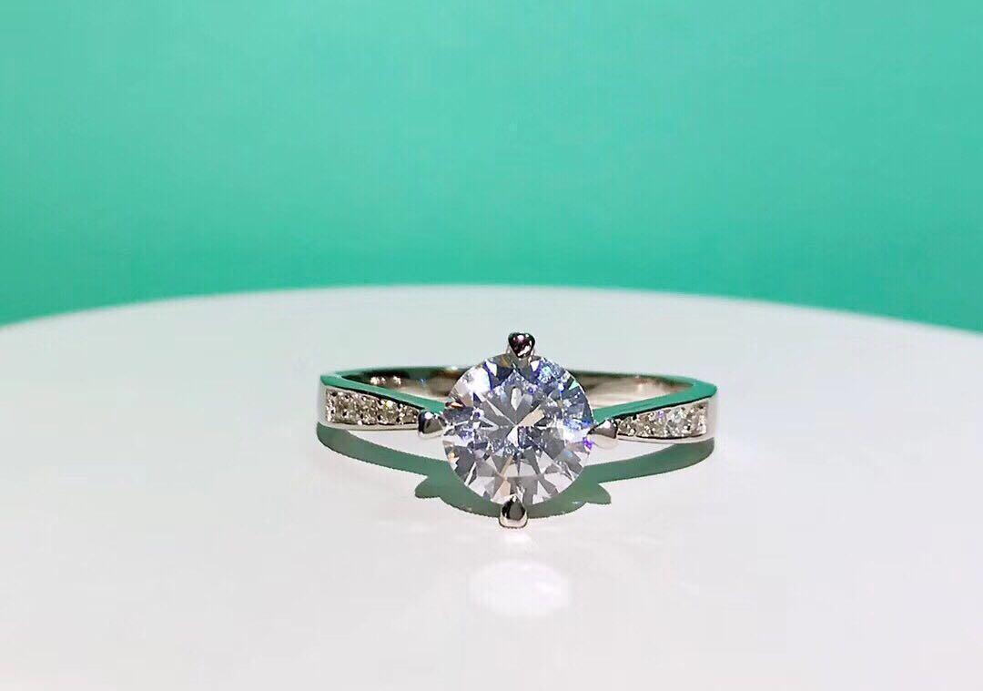 popular marca de moda plata de ley 925 anillos de diamante de diseño completo para la boda de lujo de la joyería Diseño Partido señora de las mujeres para la novia
