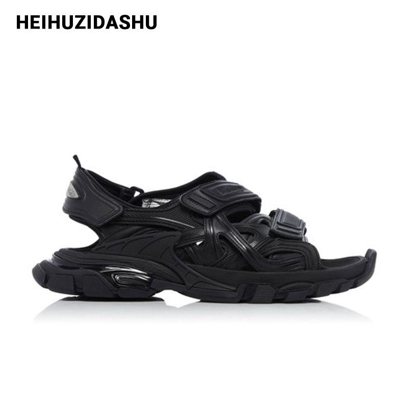2020 Summer Brand Design Sandales Boucle Flat Black Sandales Femmes Street Fashion Style de plate-forme