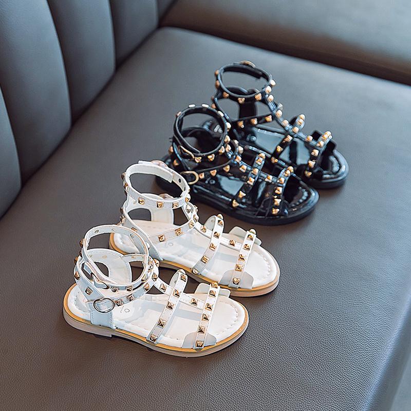 Kleine Mädchen-Sommer-Roman Sandalen für Kinder Kindermode-Weiß Schwarz Prinzessin Stiefel Schuhe New 2020 Jahre Nietschuhe