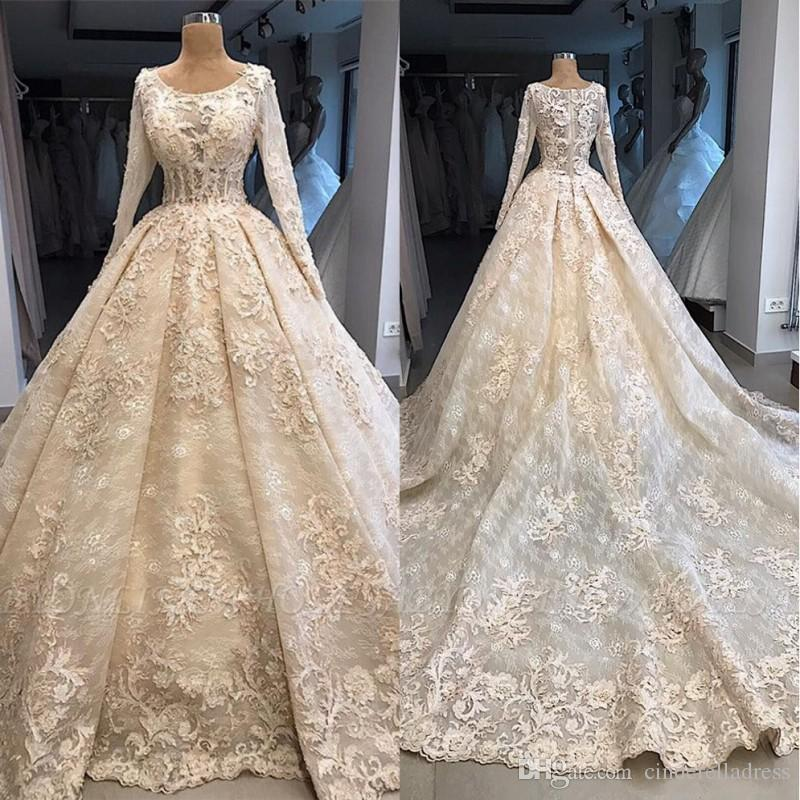 Elegant 3D Lace Flroal Appliques Ball Gown Wedding Dresses 2020 New Scoop Long Sleeves Sweep Train Bridal Dress Sheer Plus Size Wedding Gown