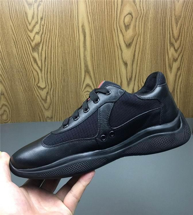 Italiano dei nuovi uomini rossi casual Scarpe comfort britannico Man pattini di svago vernice lucida con mesh traspirante scarpe Zapatos 38-45 C16
