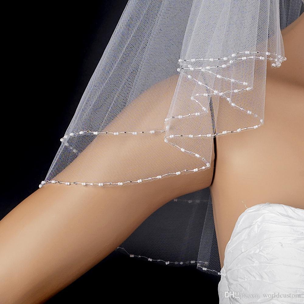 Nouvelle image réelle luxe meilleure vente deux couches perlée bord voile de mariage avec peigne en alliage voiles de mariée personnalisé blanc ivoire longueur de l'épaule