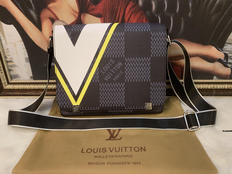 High-end quality new arrival Brand Classic designer fashion Men messenger bags cross body bag school bookbag shoulder bag 290