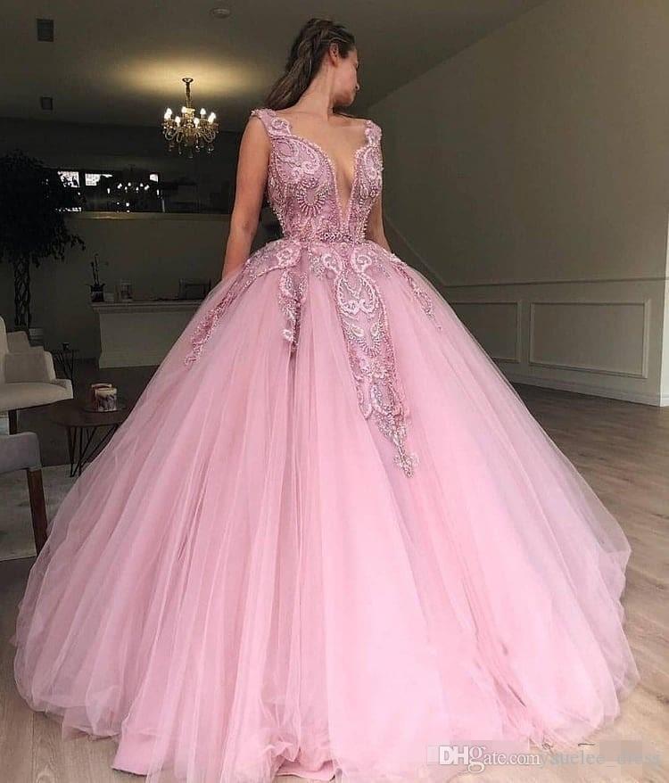 Borgo di lusso rosa Quinceanera Abiti tuffati con scollo a V 2019 Cutom Made Tulle Piano Piano Lunghezza perline Sweet 16 Pageant Prom Ball Gown