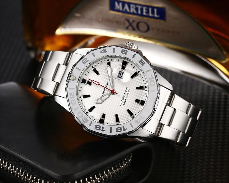 Schweizer Uhrqualität Famous Vollwertiger Quarzuhren der Männer mechanische Uhr-Ledergürtel-Mann-Sport-Uhr Schweizer orologio