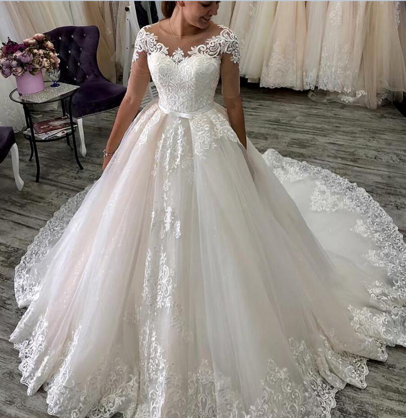 Пользовательские половины с короткими рукавами Кружевные аппликации свадебные платья 2021 с кодом Sash Tour Train Jewel Peart Tulle свадебные свадебные платья