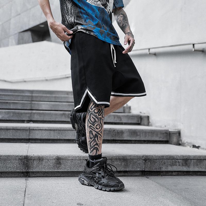 Sommer High Street Schrittgurt Shorts Mens Kordelzug Lose feste Fünf-Punkt-Hosen Aufmaß Gelegenheits Hip Hop Sommer Cargo-Shorts T200502