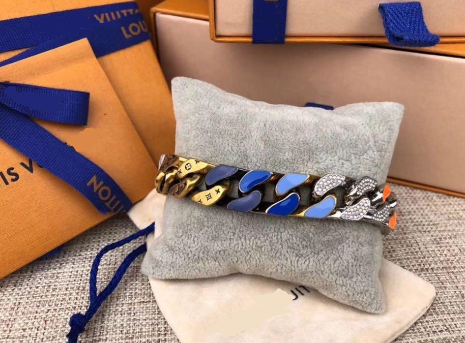 패션 새로운 남성 부인 316L 티타늄 강철 음각 네 잎 꽃 컬러 에나멜 18K 골드 두꺼운 체인 링크 패치 팔찌 (6 개) 스타일