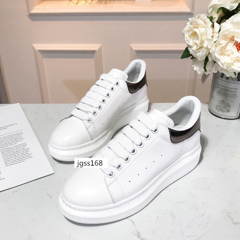 Il lusso libero di consegna del progettista dei pattini di cuoio della piattaforma delle scarpe da tennis delle donne degli uomini piani casuali dei pattini di svago Abito scarpe quotidiano Sneaker 5