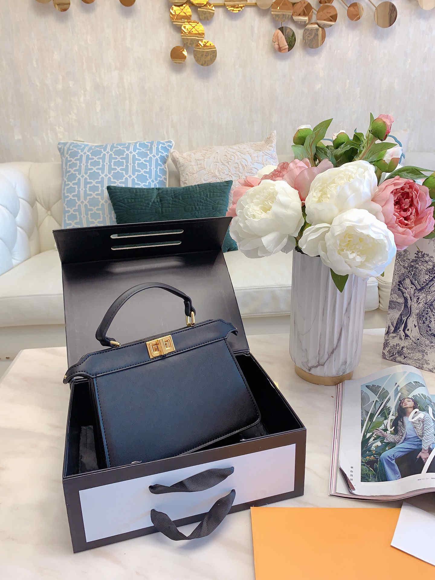 Deisigner наплечная сумка для женщин грудь пакет леди тотализатор цепи сумки пресбиопический кошелек сумка посыльного дизайнерские сумки холст Оптовая продажа lts