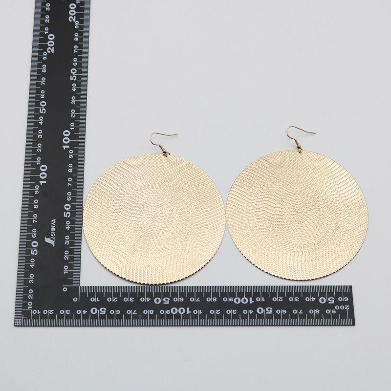 Manera- nueva llegada de tendencia del metal del oro de la textura geométrica redonda grande Disco pendientes de gota elegante Hiphop de la manera club del partido del oído de la joyería regalo