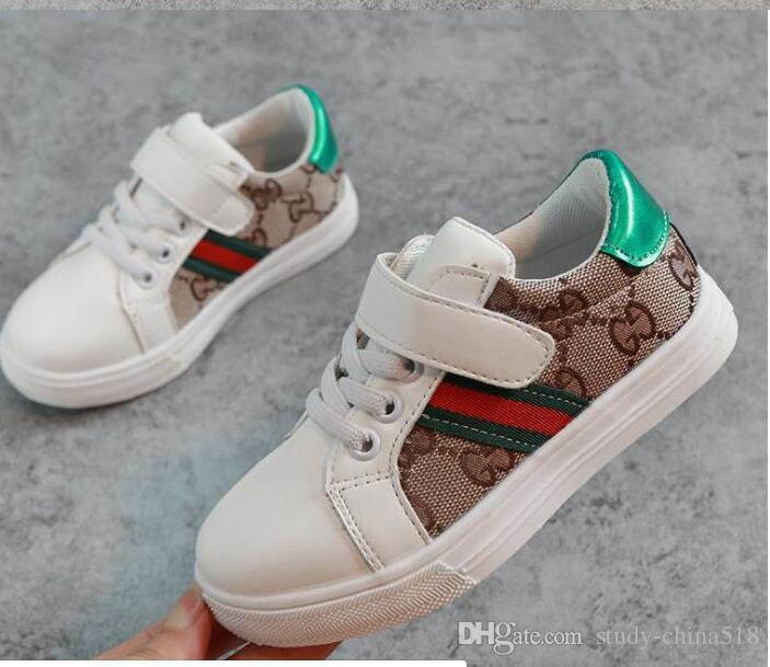 Nuevo diseñador de moda Calzado para niños Calzado casual para niños Zapatos de costura coreanos para bebés