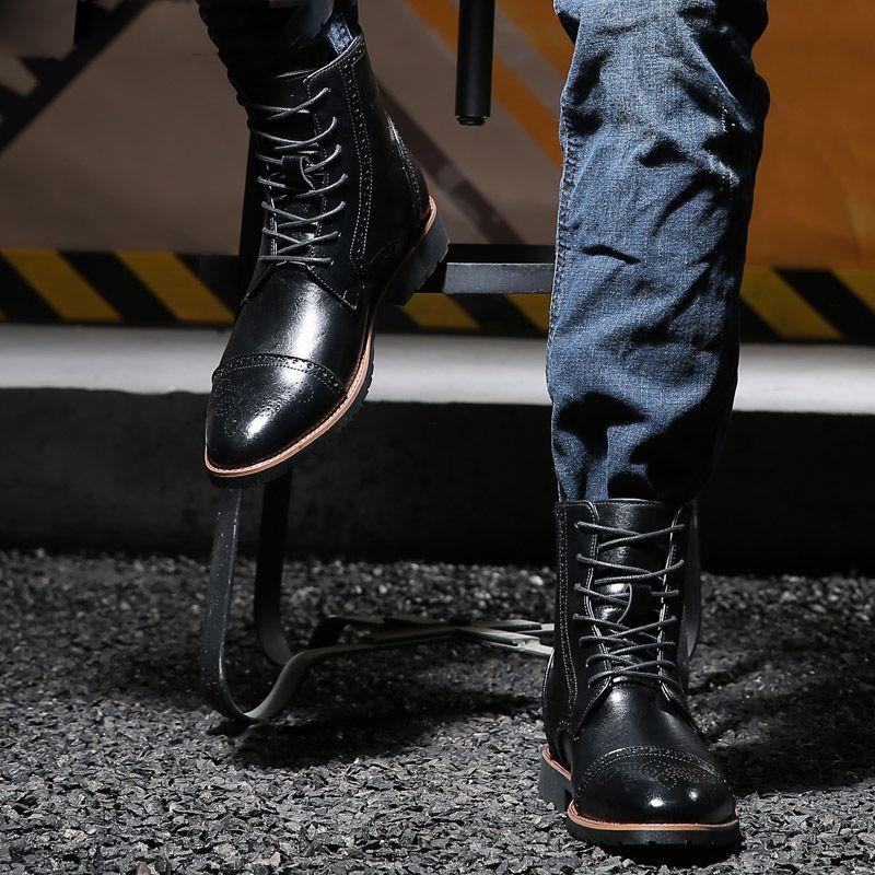Bottes de robe pour hommes de haute qualité Bottes en cuir Bottes de moto Hommes Chaussette Chaussures Occidental Bottes Italienne Chaussures