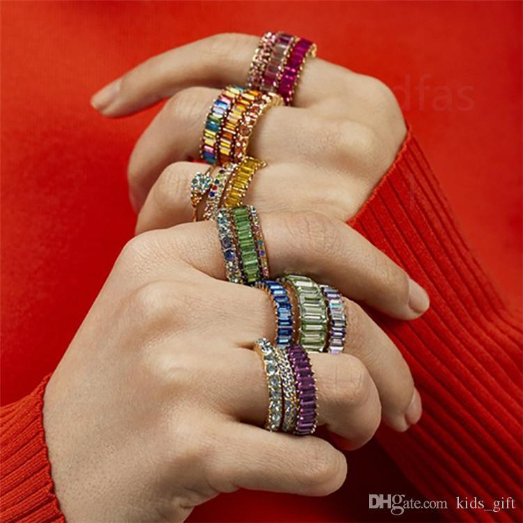 10 couleurs arc-en-fille Bagues bague en cristal femmes Anneaux diamant en acier inoxydable mode métal Jewery rayé anneau de gros KFJ686