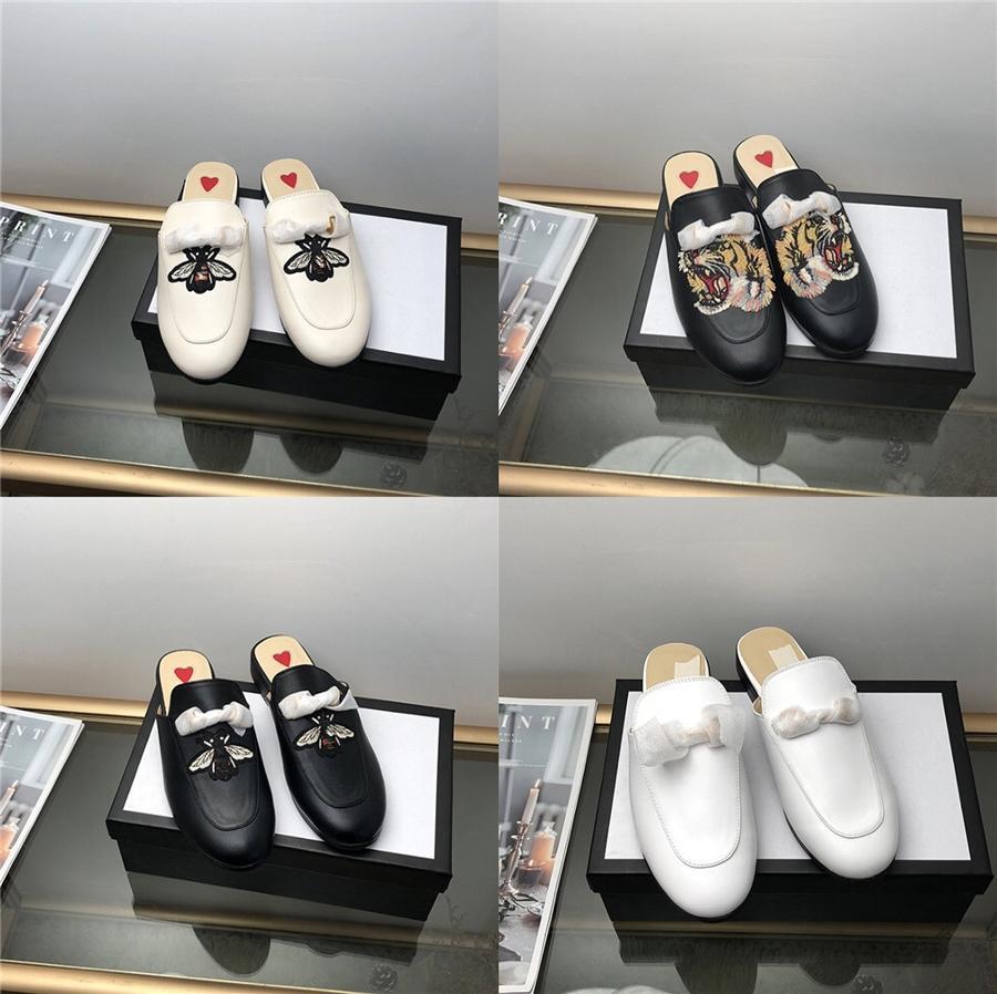 2020 Scarpe estate dei sandali di modo degli uomini del cuoio dell'unità di elaborazione in morbida pelle comode scarpe estate maschio Beach Holiday Calzature Ka2328 # 128