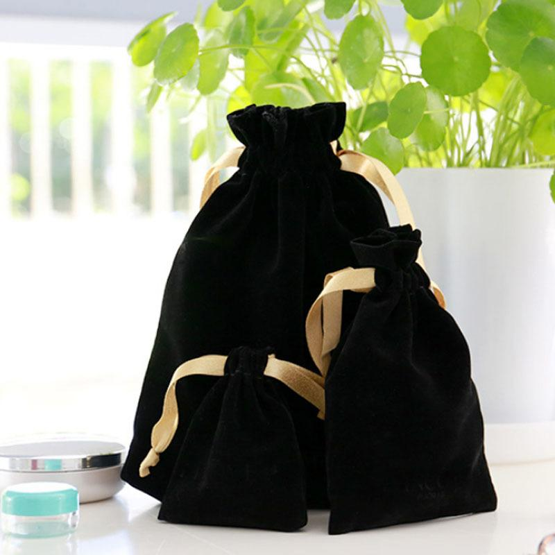 الذهب الشريط الأسود المخملية هدية حقائب 7x9cm 9x12cm 11x16cm 18x22cm حزمة من 50 ماكياج مجوهرات التعبئة والتغليف الحقيبة CY200518