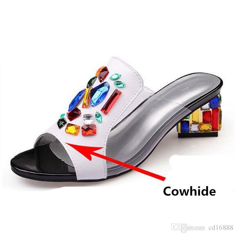Venta caliente Noble Elegante Verano Rhinestones Zapatos Mujer Zapatillas Sandalias 2019 Nueva piel de vaca Rhinestones Sandalias Moda Zapatillas de tacón grueso