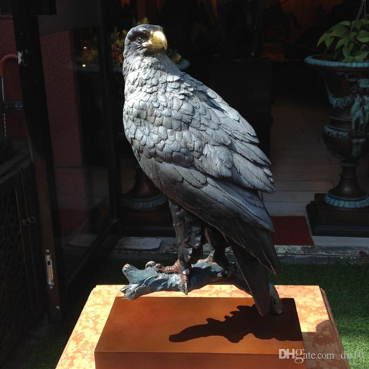 Copper-carved stump Eagle ornaments Animals, birds Raptors Eagles cleaved the sky Crafts Hall Club Anti-evil town house decoration
