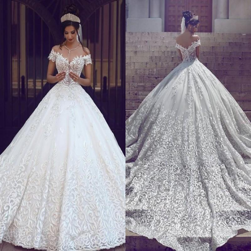 Arabe la pleine dentelle robes de mariage élégant de l'épaule manches courtes Applique balayage train Une ligne de train chapelle de mariage Robes de mariée Ba3424