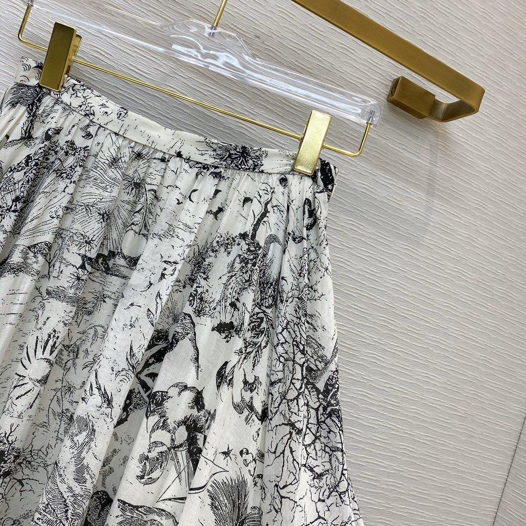 Des vêtements de marque pour les femmes jupe mini-jupes irrégulières printemps mode Livraison gratuite favori charme Vente chaude VV7O VV7O VV7O
