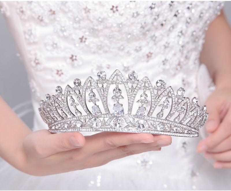 Großhandel legierung krone braut hochzeit haarschmuck hochzeit headdres typ schmuck strass braut tiara C18122501