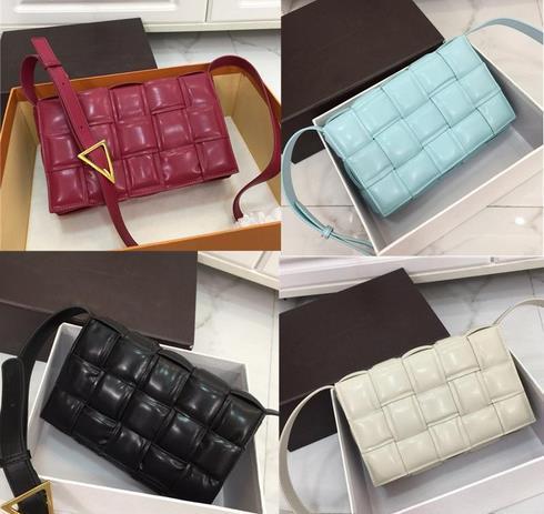 las mujeres del diseñador de lujo bolsas de embrague PADDED CASSETTE BOLSA bolso crossbody bolsas de hombro del diseñador de lujo tejida bolso bolsas de cuero reales