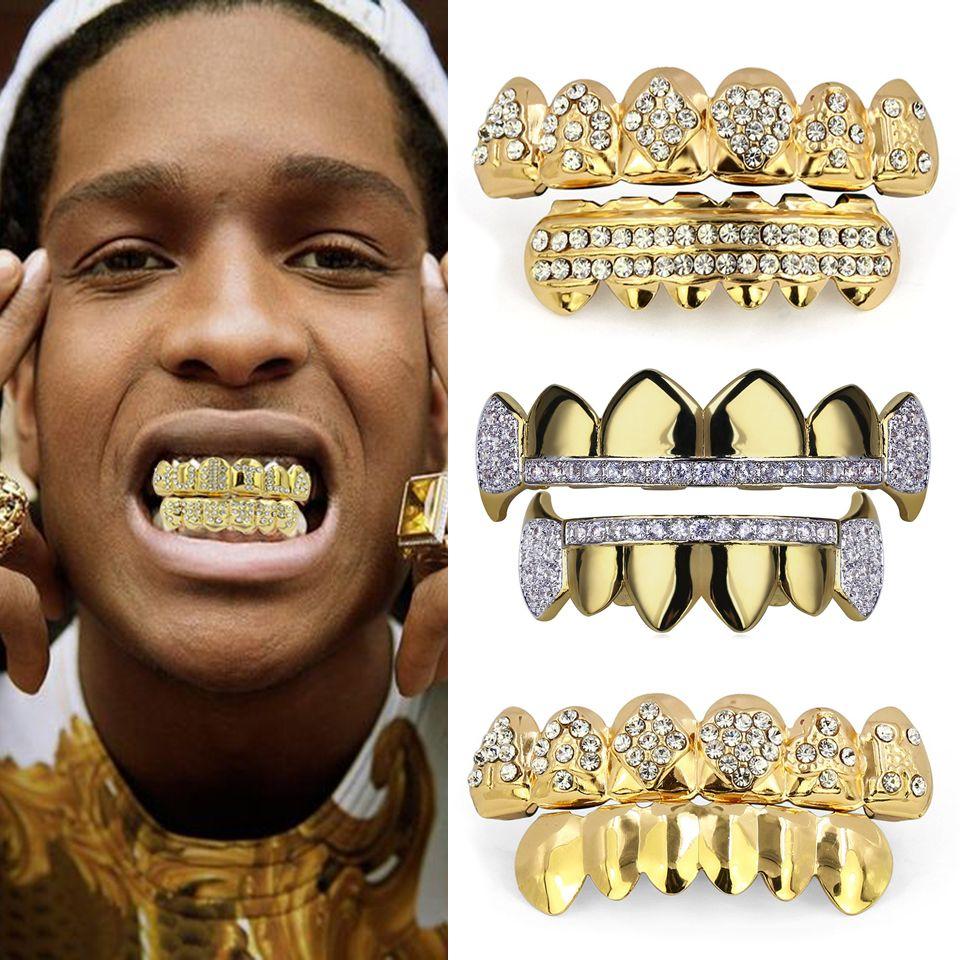 L'oro reale 18K Punk Hiphop CZ zircone Poker Lettere denti del vampiro Fang Grillz diamante Griglie Bretelle Tooth Cap Rapper gioielli per il partito di Cosplay