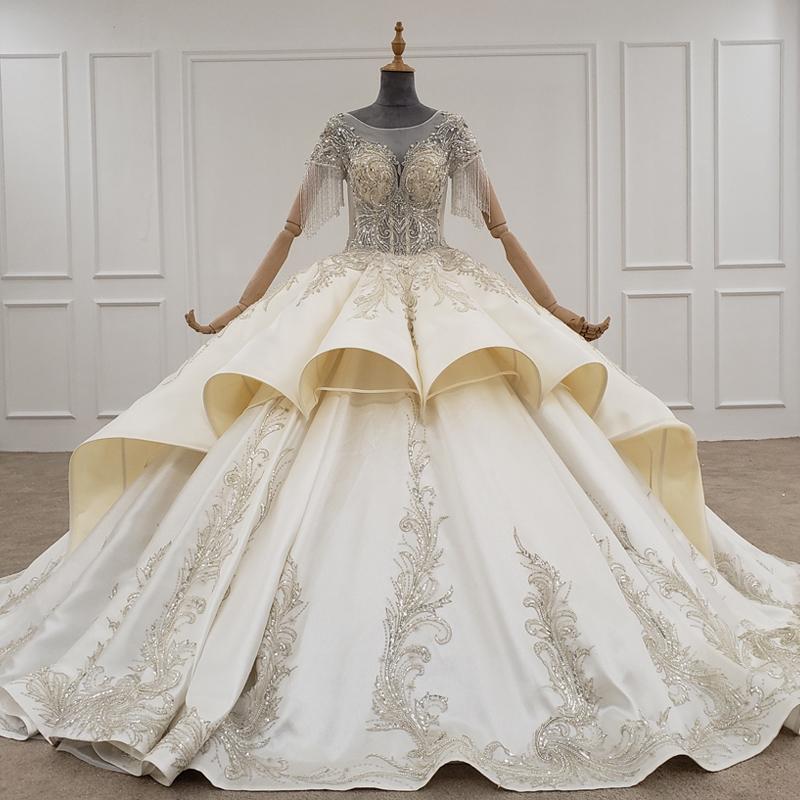 2020 Elegante Brautkleider O-Ausschnitt Kurzarm mit Quaste handgemachte Appliques Sequined Tiered Braut-Kleid-Ballkleid-Robe De Mariage Sirene