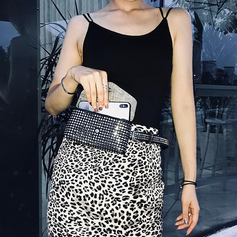 Marsupio Moda Rivetti Marsupio pacchetto di Fanny Piccolo Donne Phone Pouch Punk Belt Bag Purse WHDV0632