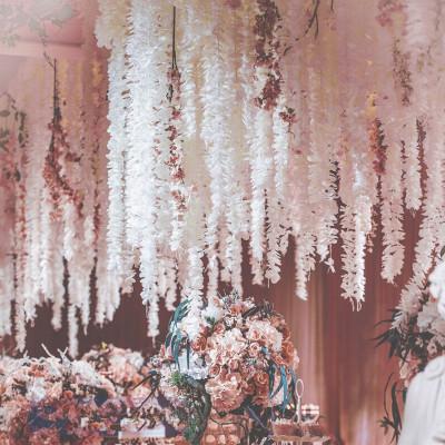 Шелковый цветок Уникальный дизайн Свадебные украшения Фон цветок орхидеи Шелковый Глициния Vine Белые Искусственные Венки съемки фото реквизит EEA672