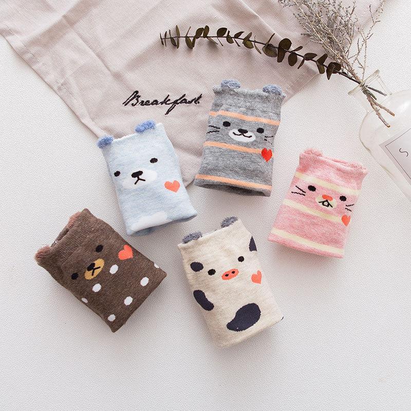 5pairs / lot neue Art und Weisekarikaturfrauensocken Korea-Katzensocken buntes beiläufiges Baumwollharajuku glücklich für Weihnachten
