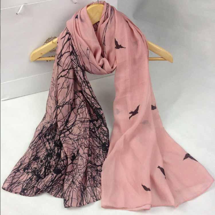 New Spring Mer Ombrage en mousseline de soie Foulard Femme Tempérament sauvage Imprimé petit foulard 1pcs