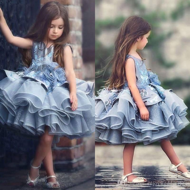 Abito del bambino adorabile bambini Blu Tiered Tutu Breve Pageant abiti da principessa 2020 Glitz Tulle gonfi Fiori ragazza abiti Dubai partito convenzionale