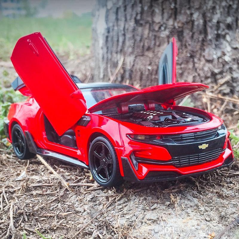 Alloy Car Modelo Brinquedos, Carro Desportivo Chevrolet Camaro com luzes, som, Pull-back, para Presentes Party 'aniversário' Kid, Coleção, Decoração