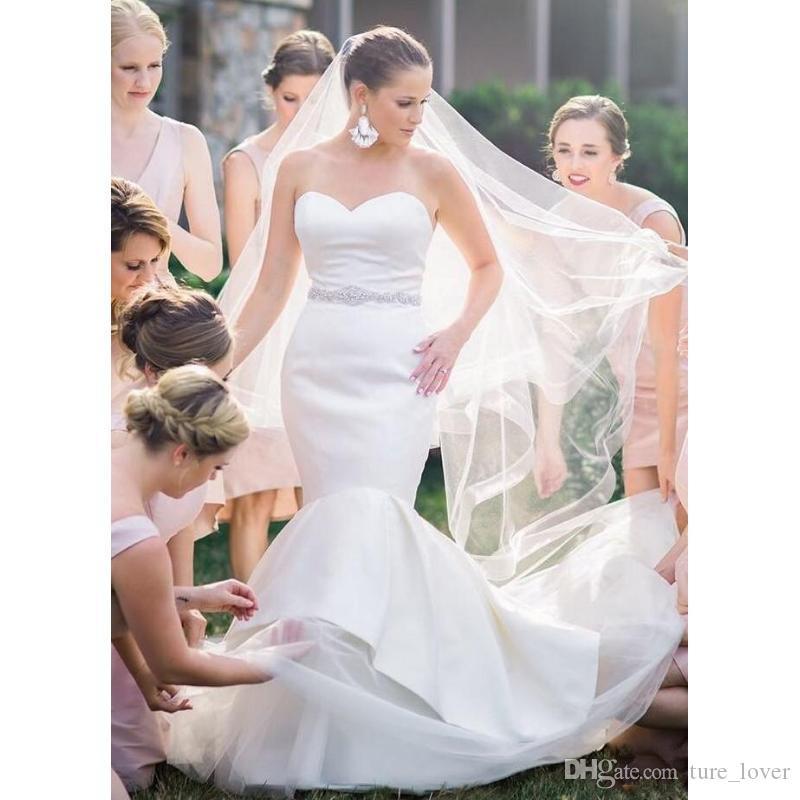 Sweetheart vestidos de novia de sirena de satén sin mangas de la vendimia 2020 sin respaldo simple tribunal tren vestido de novia Vestidos de novia con Sash