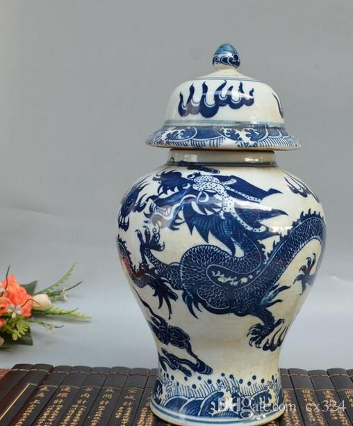 Antique porcelain, late Qing Dynasty, blue and white figures, porcelain jars, tea cans, piggy banks, generals, cans