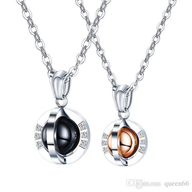 queen66 2020 Paar Liebe Neaklaces Matching Set Die Eerth Black Rose Gold Pendant für seine und ihre Edelstahlketten
