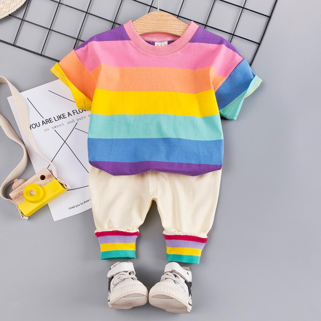 Toddler Bebek Çocuk Kıyafetleri Set Gökkuşağı Şerit T-shirt Tops + Pantolon Toddler Kız Erkek Yaz Giysileri Kıyafetler Setleri Giyim W621