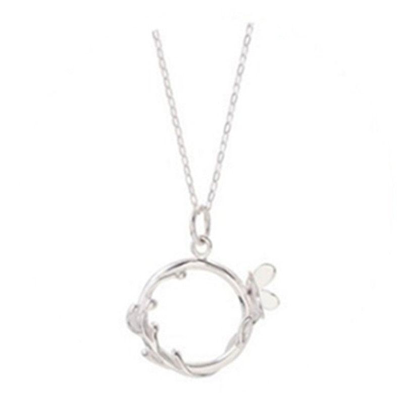 Collar de mariposa de vid de flor de plata para mujer Regalos de novia simples Cadena de clavícula de estudiante dulce creativo