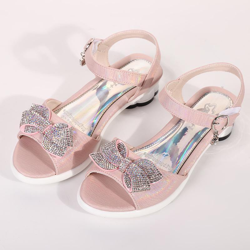 Padre-hijo de sandalias de los niños 2020 del verano nuevas muchachas de la princesa del arco zapatos antideslizantes playa zapatos enfriar la Heat1910503303