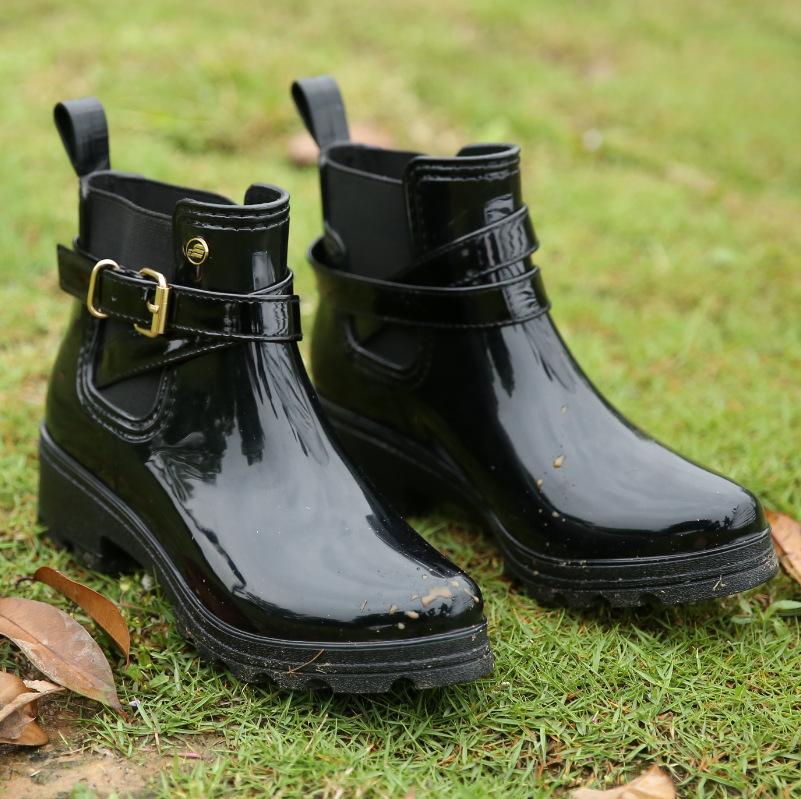 Hot Sale-Rubber Shoes Mulheres Botas de Chuva Para Meninas Senhoras Andando À Prova D 'Água PVC Mulheres Botas de Inverno Mulher Tornozelo Martins Rainboots