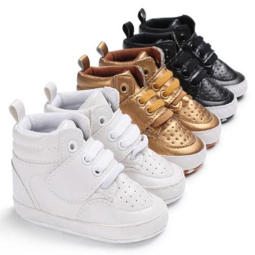 2020 Nova bebé recém-nascido menina macia Sole Crib Shoes quente botas anti-derrapante Sneaker PU respirável Sólidos Primeira Walkers 0-18M