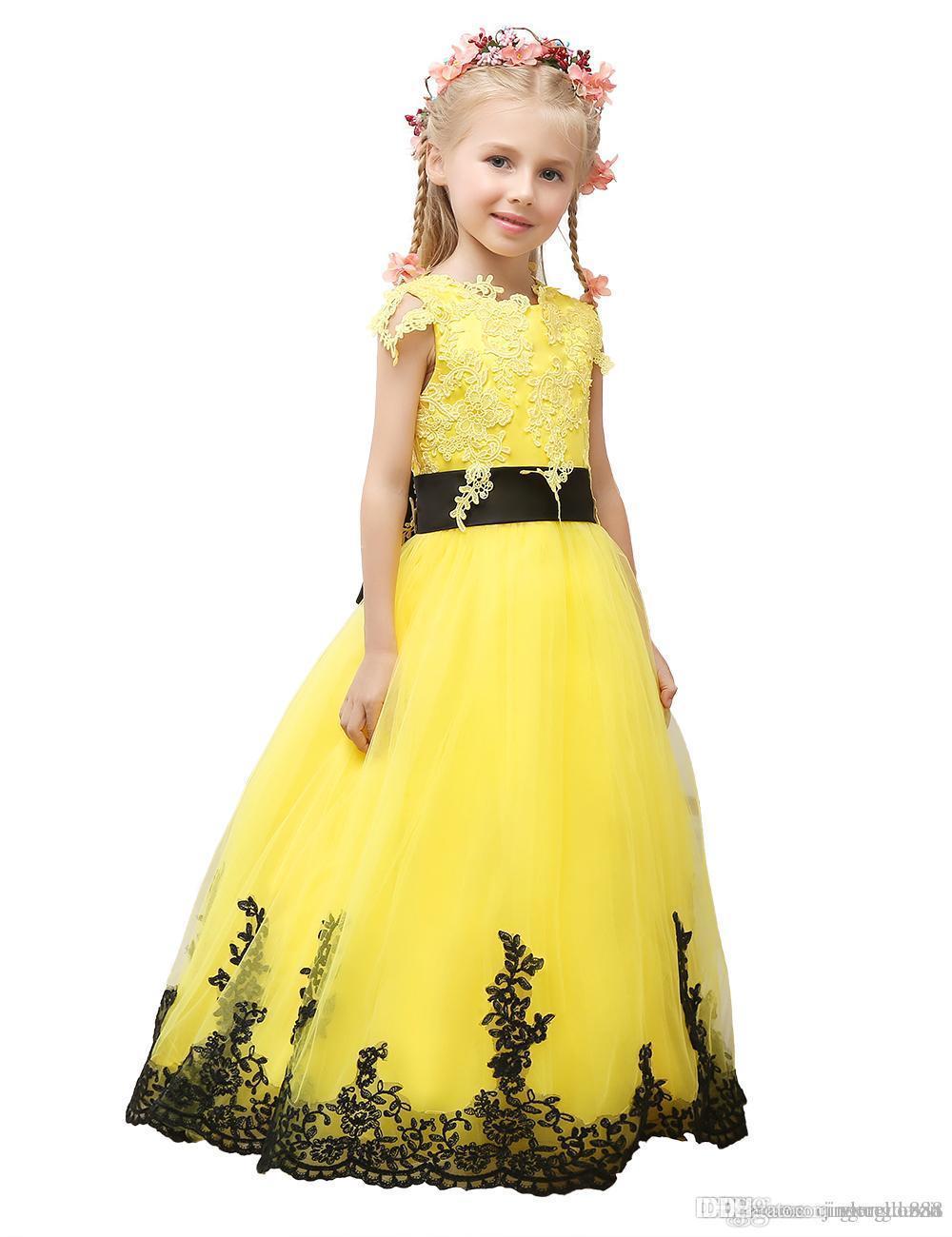 Vestidos de niña de las flores de la princesa caliente Vestidos de fiesta de boda con vestidos de fiesta encantadores con faja de lazo