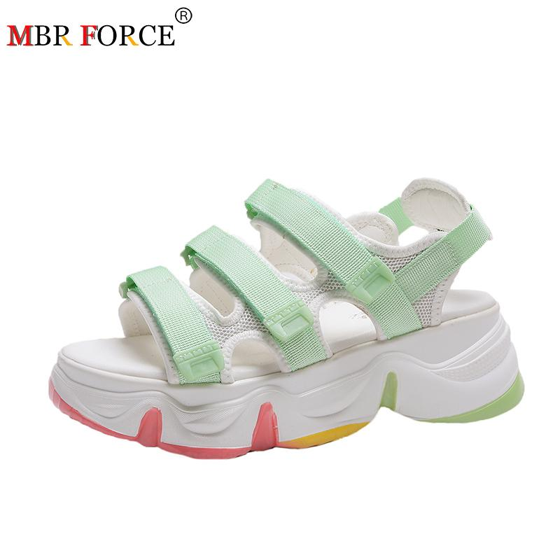 2020 nouvelles dames été sandales à semelles épaisses chaussures dames respirant sandales de marche confortables chaussures blanches dames chaussures