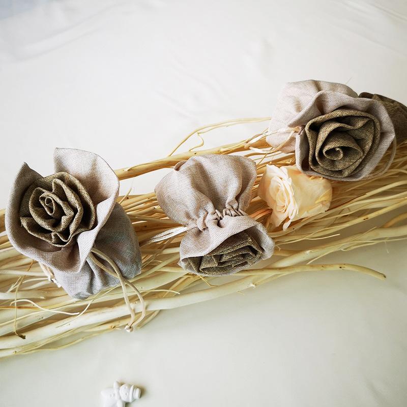 5pcs / lot toile de jute naturelle toile jute cordon cadeau sacs sacs faveurs du parti emballage sac de mariage cadeau bonbons sacs partie fournitures