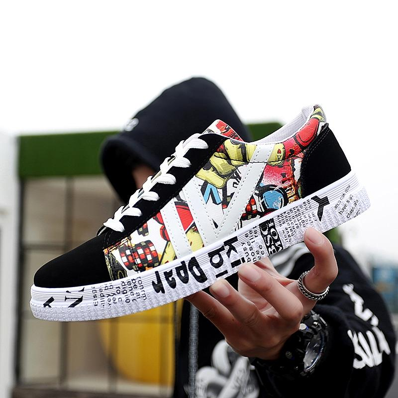 New casual Men Vulcanized Shoes Sneakers Men's Fashion Casual Lace-Up Colorful Canvas Sport Graffiti board Shoes