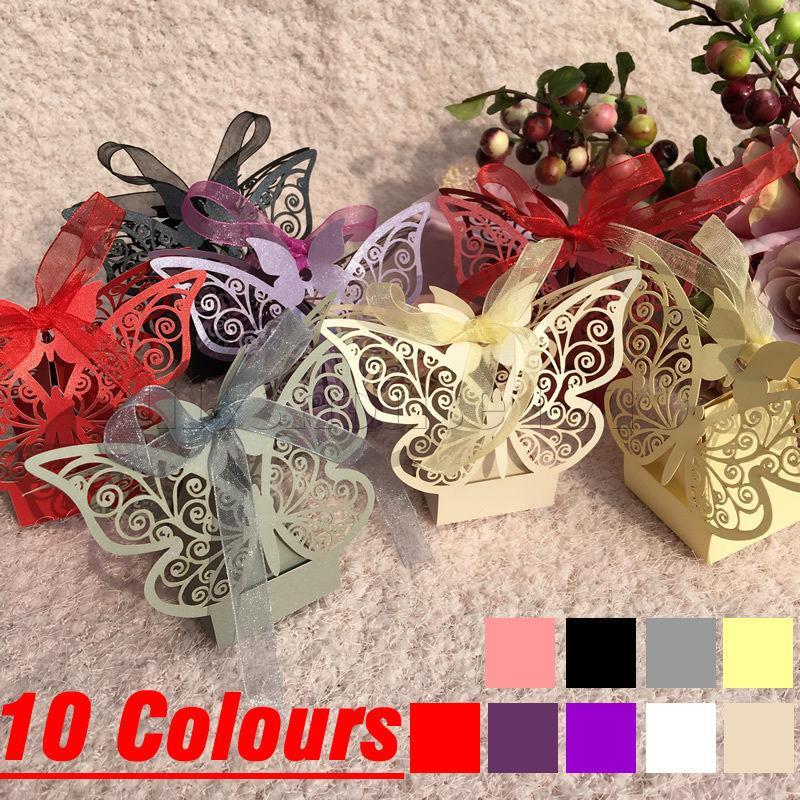 50Pcs Laser Cut Schmetterlings-Höhle Carriage Bevorzugungen Box-Süßigkeit-Geschenk-Box mit Band-Babyparty Hochzeit Geburtstag Party Supplies