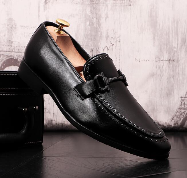 Moda Erkekler Casual sivri burun Ayakkabı loafer'lar Deri Kayma-on Elbise Ayakkabı El yapımı Terlik Erkekler Flats Düğün Ayakkabı Sigara