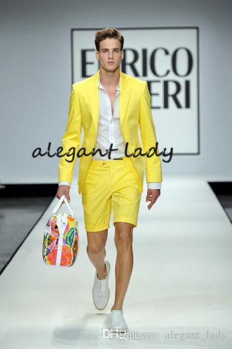 Costumes d'été pour hommes jaunes avec pantalon court 2 pièces (veste + pantalon + cravate) style de bal d'étudiants décontracté style marié marié smoké blazer