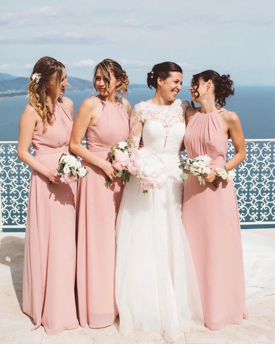 Großhandel Dusky Pink Chiffon Brautjungfer Kleider Für Sommer Hochzeiten  19 Günstige Neckholder Falten Lange Trauzeugin Kleider Boho BM19 Von